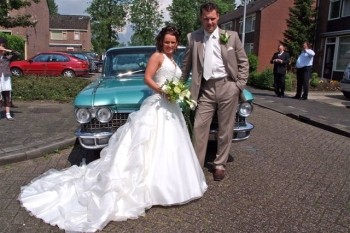 Adjudant Robby Weijers trouwt zijn Cynthia