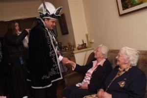 Bezoek oudste en jongste inwoners en de pastorie