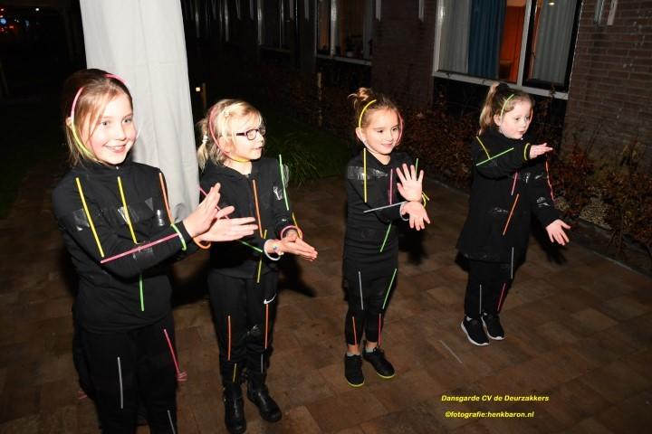 Dansgarde CV de Deurzakkers trad op bij verzorgingshuis 't Höfke in Beek