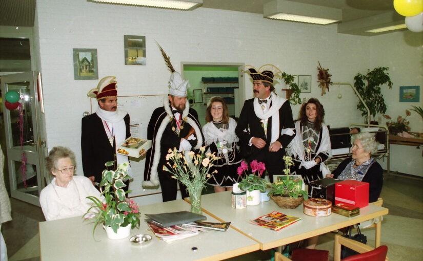 Nieuwe oude foto's van de carnavalsvereniging